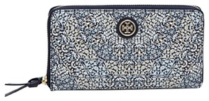 Tory Burch Tory Burch Kerrington Zip Around Continental Kaleidoscope SLG