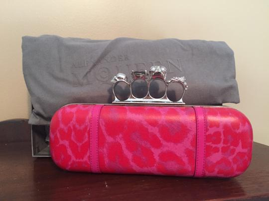 Alexander McQueen Knuckle Leather Skull Pink & Red Clutch Image 8