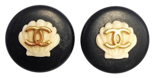 Chanel #8287 CC Shell on Gold hardware earrings