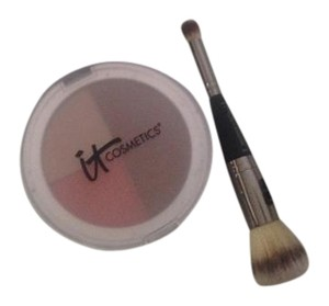 IT Cosmetics matte bronzer, illuminator and blush withcomplexion perfection brush