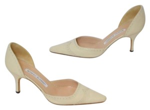 Manolo Blahnik Low Heel Classic Heel Pointed Toe Heel BEIGE Pumps