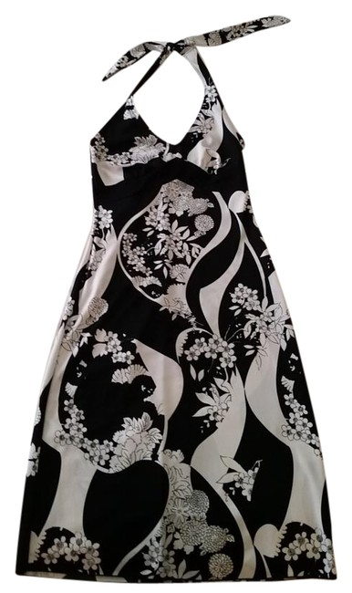 Item - Black and White Knee Length Cocktail Dress Size 8 (M)