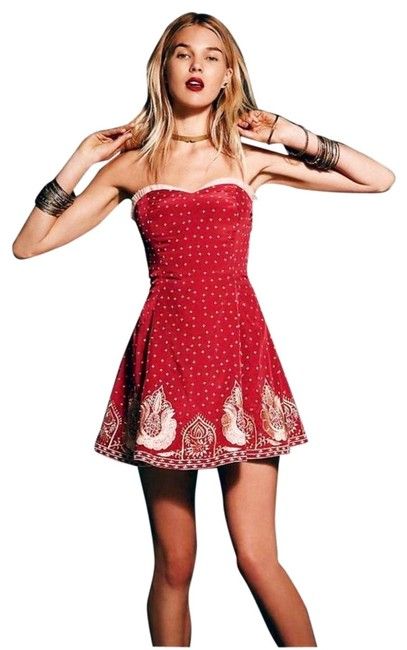 Preload https://img-static.tradesy.com/item/18882379/free-people-red-very-merry-mini-night-out-dress-size-6-s-0-4-650-650.jpg