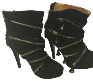 N.Y.L.A. Black with silver zippers Boots