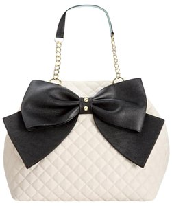 Betsey Johnson Extra Large Black Bow Mint Trim Tote in bone