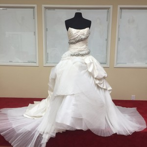 St. Pucchi 532 (3) Wedding Dress