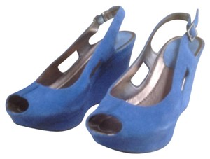 Kenneth Cole Reaction Blue Wedges