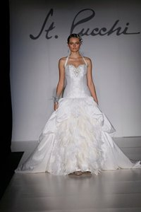 St. Pucchi 548 <4> Wedding Dress
