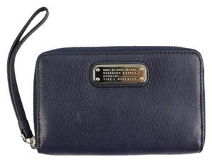 Marc by Marc Jacobs Zip Wallet Wristlet 51MJA817