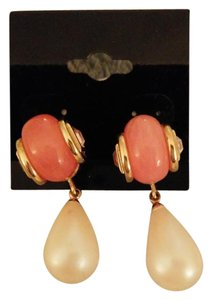 Givenchy Givenchy Pearl Drop Earrings