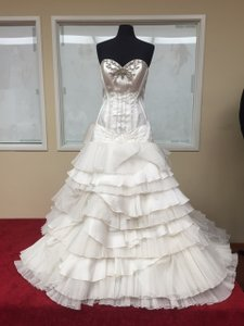 St. Pucchi 9320 <8> Wedding Dress