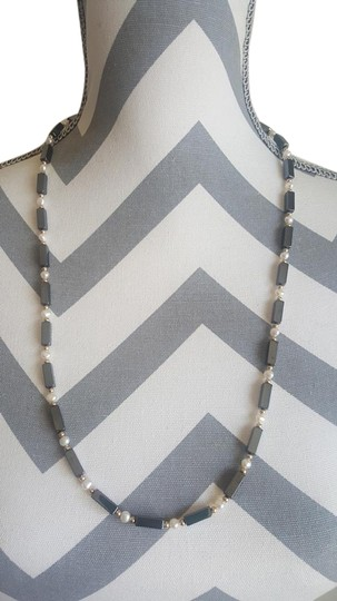 Preload https://img-static.tradesy.com/item/18898411/black-and-white-rectangle-pearl-necklace-0-1-540-540.jpg