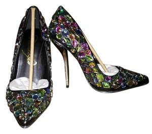 Privileged Ruiz Crystals Rhinestones Black Pumps