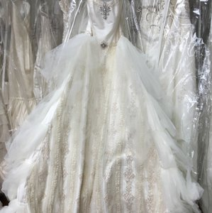 St. Pucchi 326 <13> Wedding Dress
