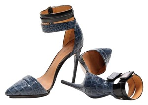 L.A.M.B. Pointed Toe Leather Designer navy, black Pumps