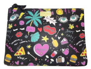 Betsey Johnson LUV BETSEY/IPAD CASE/ BLACK MULTI/TOP ZIP CLOSURE