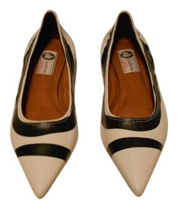 Lanvin Fabulous Pattern Versatile Made In Portugal White/Black Flats