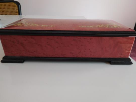 Preload https://img-static.tradesy.com/item/18901873/rosegold-magnificent-lacquered-box-w-inlay-design-red-velvet-lining-0-7-540-540.jpg