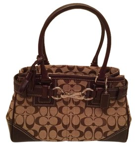 Coach Tote in Brown and khaki