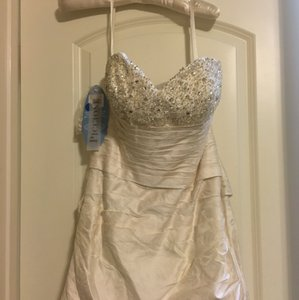 Alfred Angelo Ivory Outer Shell: Silk Modern Wedding Dress Size 8 (M)