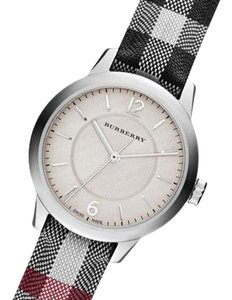 Burberry Burberry Women's The Classic Round Swiss Stone Watch BU10200