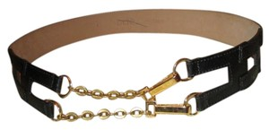 Cache leather and chain