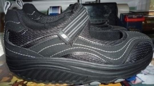 Skechers black with contrast stitching Athletic
