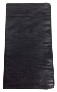 Louis Vuitton Authenticated! Louis Vuitton Epi Leather Noir Wallet (SR0044)