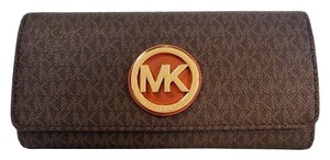 Michael Kors Signature Fulton Continental Carryall Wallet Clutch NWT Brown PVC