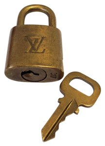 Louis Vuitton #8324 LV Gold Tone Brass Lock and key set #317
