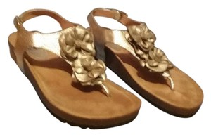 Eürosoft by Söfft Gold Sandals
