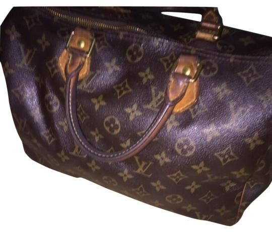 Preload https://img-static.tradesy.com/item/18920767/louis-vuitton-speedy-30-satchel-0-1-540-540.jpg