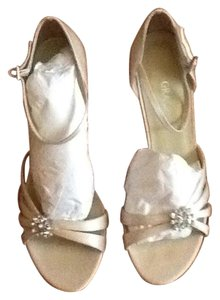 Grace Footwear White Formal