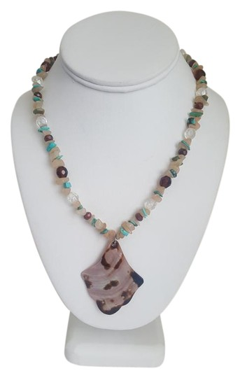 Preload https://img-static.tradesy.com/item/18921652/beige-and-blue-sand-turquoise-summer-necklace-0-1-540-540.jpg
