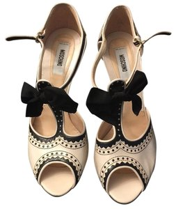 Moschino Cream/black Pumps