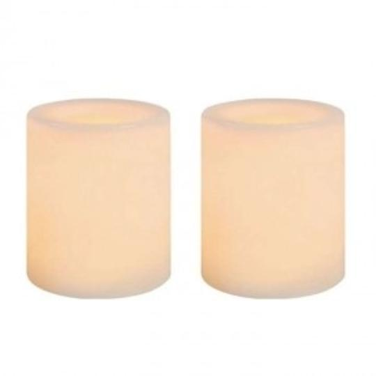 Preload https://item5.tradesy.com/images/white-appear-cream-when-lite-lot-of-60-wax-flameless-votivecandle-189289-0-0.jpg?width=440&height=440