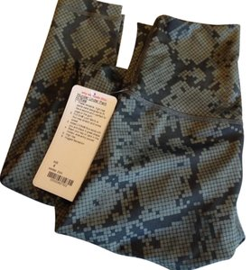 Lululemon Camo Running Yoga Training Fatigue green Leggings