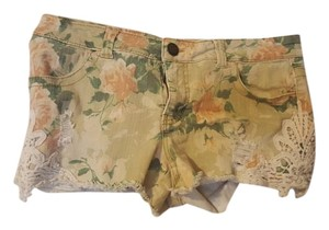 Mossimo Supply Co. Mini/Short Shorts Beige floral print