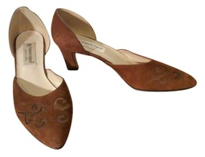 Etienne Aigner Light cocoa brown Pumps