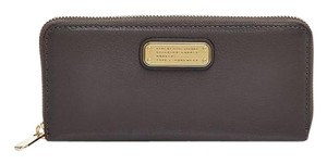 Marc by Marc Jacobs New Q Slim Zip Around Wallet Clutch