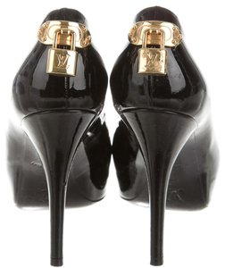 Louis Vuitton Patent Leather Oh Really Black, Gold Pumps