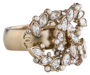 Chanel Gold-tone Chanel crystal pearl CC cocktail Ring 6.25