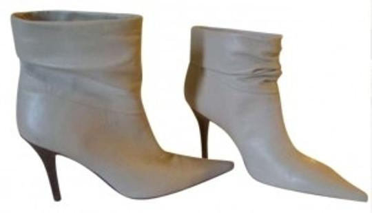 Preload https://item5.tradesy.com/images/bcbgmaxazria-off-white-bootsbooties-size-us-8-189524-0-0.jpg?width=440&height=440