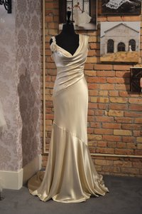 Casablanca Ivory Silk Charmeuse Cb Couture B-055 Vintage Wedding Dress Size 10 (M)