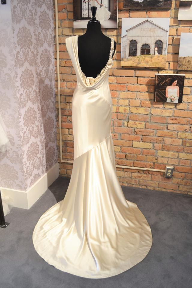 Casablanca ivory silk charmeuse cb couture b 055 vintage for Cb couture wedding dresses