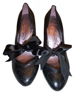 Poetic License Vintage Look Edwardian Black Pumps