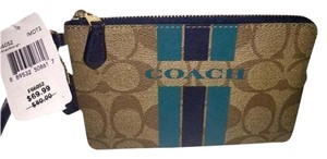 Coach Brand New ..CORNER ZIP WRISTLET IN SIGNATURE