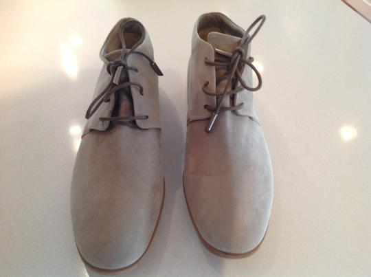 Tod's Beige Boots