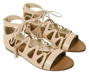 Zara Strappy Flats 9 nude Sandals