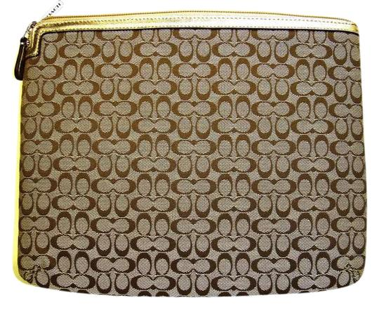 Preload https://item1.tradesy.com/images/coach-khaki-ipadtablet-sleeve-new-with-tags-tech-accessory-189735-0-0.jpg?width=440&height=440